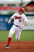Richard Cates of the Orem Owlz (2009 Pioneer League) playing against the Casper Ghosts in Orem, UT - 07/26/2009..Photo by:  Bill Mitchell/Four Seam Images..