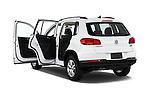 Car images of 2017 Volkswagen Tiguan S-4Motion 5 Door SUV Doors