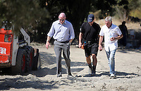 Pictured: Eddie Needham (R), the grandfather of missing Ben Needham with DI Jon Cousins of South Yorkshire Police (L) and other officers in Kos, Greece. Wednesday 05 October 2016<br />