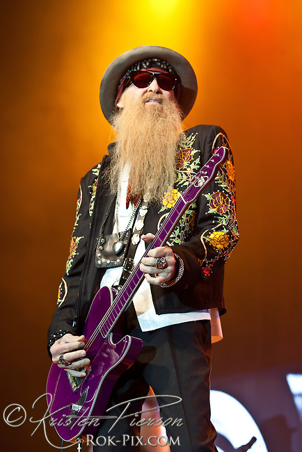 ZZ Top perform at Twin River Casino on November 15 2013