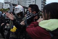***FOTO DE ARQUIVO***19.06.2014 - S&Atilde;O PAULO,SP,25.07.2014 - PRIS&Atilde;O DE MANIFESTANTE - O manifestante e professor Jefte Rodrigues durante a manifesta&ccedil;&atilde;o:N&atilde;o vai ter Tarifa,na Avenida Rebou&ccedil;as,regi&atilde;o Oeste da cidade de S&atilde;o Paulo.<br /> (Foto:Kevin David/Brazil Photo Press)