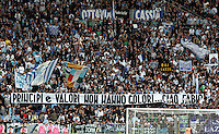 "Calcio, Serie A: Lazio-Roma. Roma, stadio Olimpico, 18 aprile 2010..Football, Italian serie A: Lazio-Roma. Rome, Olympic stadium, 18 aprile 2010. Lazio fans. The banner reads ""Principles and values have not colours... Goodbye Fabio""..UPDATE IMAGES PRESS/Riccardo De Luca"