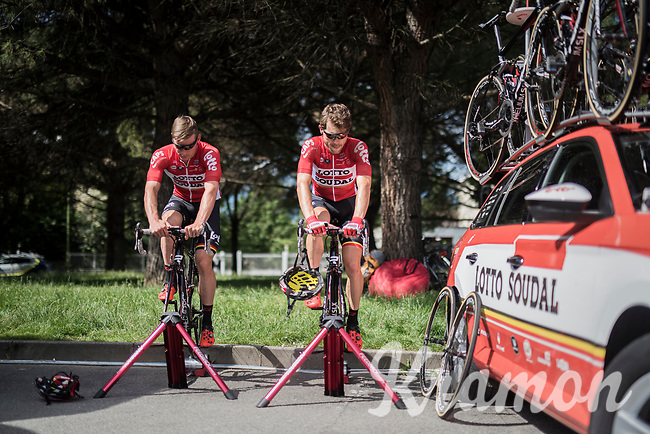 Maxime Monfort (BEL/Lotto-Soudal) &amp; Moreno Hofland (NED/Lotto-Soudal) warming up on the rollers at the stage start<br /> <br /> Stage 17: Tirano &rsaquo; Canaze (219km)<br /> 100th Giro d'Italia 2017