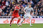 Ever Banega of Sevilla FC (L) in action against Toni Kroos of Real Madrid (R) during La Liga 2017-18 match between Real Madrid and Sevilla FC at Santiago Bernabeu Stadium on 09 December 2017 in Madrid, Spain. Photo by Diego Souto / Power Sport Images