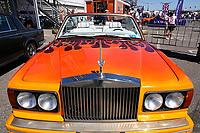 Nederland - Zandvoort - 8 juli 2018.    Het British Festival. Dit jaar staat het British Festival in het teken van de Grand Prix. Races op het Circuit van Zandvoort. Oranje Rolls Royce.  Foto Berlinda van Dam Hollandse Hoogte