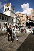 SÃO PAULO-SP- 06  DE MAIO DE 2012-VIRADA CULTUTRAL- Pátio do Colégio-  peça teatral Les Classiques- Cia Absurda Confraria,  na zona central da capital paulista. FOTO: DENIS OLIVEIRA / BRAZIL PHOTO PRESS.