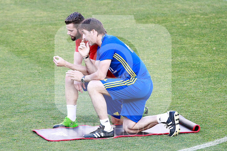 Spain's Nacho Fernandez (l) with the coach Julen Lopetegui during training session. June 6,2017.(ALTERPHOTOS/Acero)