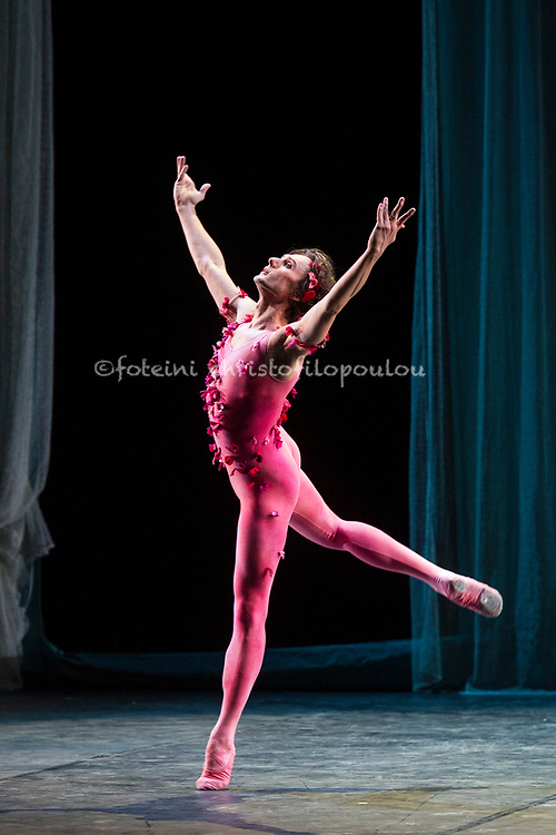 London, UK. 22.11.2017. 'Men in Motion' Ivan Putrov's celebration of the male dancer returns to the London Coliseum, 22-23 Nov 2017. Photo shows: Ivan Putrov in Fokine's 'Le Spectre de la Rose'. Photo - © Foteini Christofilopoulou.