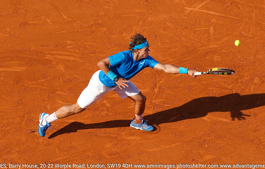 RAFAEL NADAL (ESP) (1) against ROBIN SODERLING (SWE) (5) in the Quarter Finals of the men's Singles. Rafael Nadal  beat Robin Soderling 6-4 6-1 7-6..Tennis - Grand Slam - French Open - Roland Garros - Paris - Day 11 -  Wed June 1st  2011..© AMN Images, Barry House, 20-22 Worple Road, London, SW19 4DH, UK..+44 208 947 0100.www.amnimages.photoshelter.com.www.advantagemedianetwork.com.