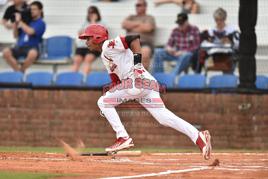 Johnson City Cardinals shortstop Oscar Mercado #4 runs to first during a game against the Bristol Pirates at Howard Johnson Field July 20, 2014 in Johnson City, Tennessee. The Pirates defeated the Cardinals 4-3. (Tony Farlow/Four Seam Images)