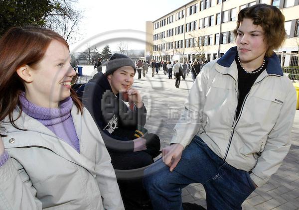 """BELGIUM, Brussels / 19 February 2003--""""Schola Europaea"""", the European School in Brussels..Mona PAALANEN (L), Lauri SAARINEN and Eero HEIKKIL? (from Oulu) are Finnish students in the school..PHOTO: JUHA ROININEN"""