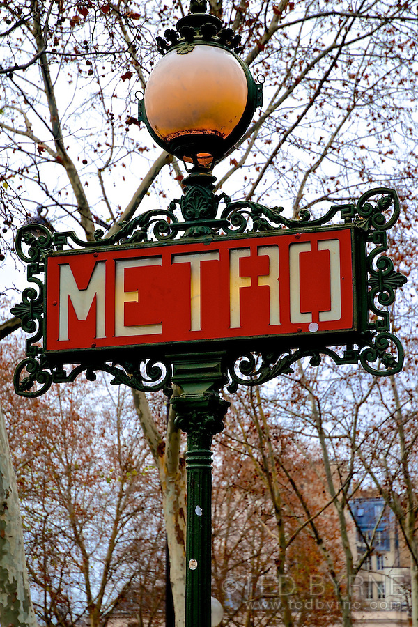 Paris Metro Sign Post