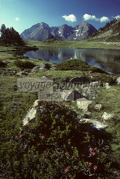 Europe/France/Midi-Pyrénées/65/Hautes-Pyrénées/Parc National des Pyrénées/Massif de Neouvielle : Lac d'Aumar