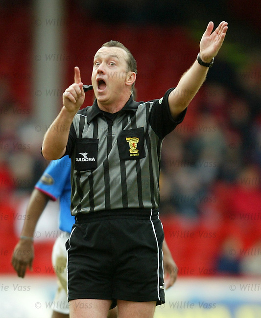 Willie Young, referee.Stock Season 2003-2004.pic willie vass