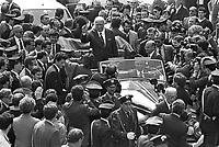 - aprile 1988, il Presidente del Consiglio Giovanni Spadolini inaugura la Fiera Campionaria di Milano....- april 1988, the Prime Minister Giovanni Spadolini inaugurates the Milan Fair