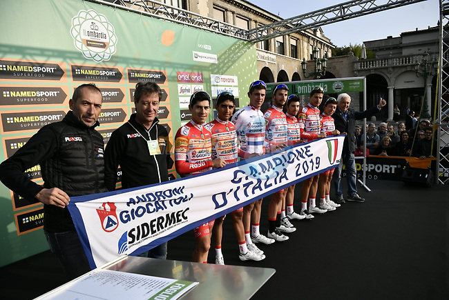 Androni Giocattoli–Sidermec 2019 Italian Cup Champions at sign on before the 113th edition of Il Lombardia 2019 running 243km from Bergamo to Como, Italy. 12th Octobre 2019. <br /> Picture: Marco Alpozzi/LaPresse | Cyclefile<br /> <br /> All photos usage must carry mandatory copyright credit (© Cyclefile | LaPresse/Marco Alpozzi)