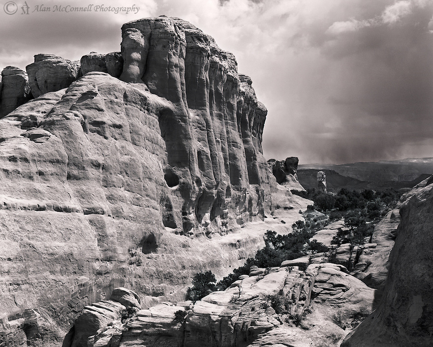"""Wall and Pillar""<br />