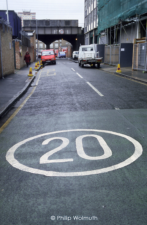 20 mph speed limit sign in Hackney, London