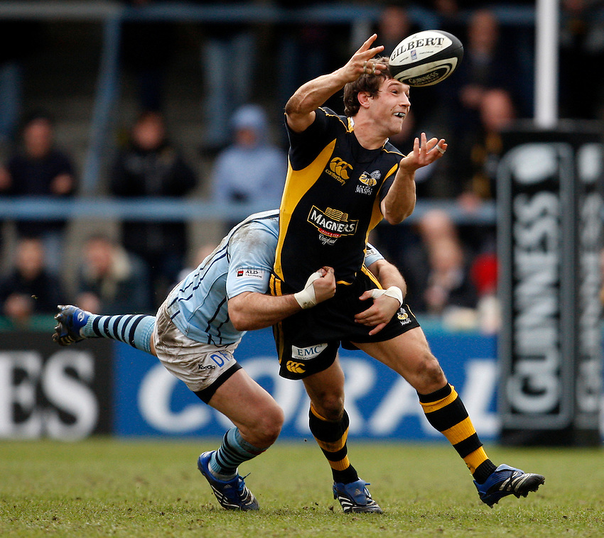 Photo: Richard Lane/Richard Lane Photography. .London Wasps v Bristol Rugby. Guinness Premiership. 23/02/3008. Wasps' Dominic Waldouck passes out of the tackle.