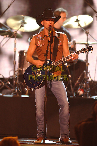 15 November 2005 - New York, New York - Kenny Chesney. 39th Annual CMA Awards held at Madison Square Garden. Photo Credit: Laura Farr/AdMedia