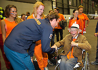 Switserland, Genève, September 20, 2015, Tennis,   Davis Cup, Switserland-Netherlands, Matwe Middelkoop greets Dutch supporter opa Scheer<br /> Photo: Tennisimages/Henk Koster