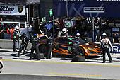 IMSA WeatherTech SportsCar Championship<br /> AMERICA'S TIRE 250<br /> Mazda Raceway Laguna Seca<br /> Monterey, CA USA<br /> Saturday 24 September 2017<br /> 86, Acura, Acura NSX, GTD, Oswaldo Negri Jr., Jeff Segal pit stop<br /> World Copyright: Richard Dole<br /> LAT Images<br /> ref: Digital Image RD_LS_17_362