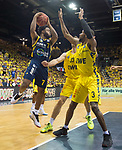 """09.06.2019, EWE Arena, Oldenburg, GER, easy Credit-BBL, Playoffs, HF Spiel 3, EWE Baskets Oldenburg vs ALBA Berlin, im Bild<br /> Derrick WALTON JR.  (ALBA Berlin #7 ) Philipp SCHWETHELM (EWE Baskets Olldenburg #33 ) William""""Will"""" CUMMINGS (EWE Baskets Oldenburg #3 )<br /> <br /> Foto © nordphoto / Rojahn"""