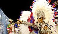 RIO DE JANEIRO, RJ, 20 DE FEVEREIRO 2012 - CARNAVAL 2012 - DESFILE UNIAO DA ILHA  - Rainha da bateria Bruna Bruno durante desfile da escola de samba Uniao da Ilha no segundo dia de desfiles das Escolas de Samba do Grupo Especial do Rio de Janeiro, no sambódromo da Marques de Sapucaí, no centro da cidade.  (FOTO: VANESSA CARVALHO - BRAZIL PHOTO PRESS).