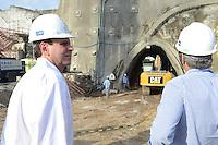 RIO DE JANEIRO-25/06/2012-Prefeito Eduardo Paes aciona a detonação da primeira galeria do Túnel da Saúde, na Zona Portuária, centro do Rio.Foto:Marcelo Fonseca-Brazil Photo Press