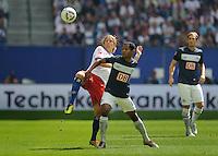 Fussball Bundesliga Saison 2011/2012 2. Spieltag Hamburger SV - Hertha BSC Berlin V.l.: Per Ciljan SKJELBRED (HSV), RAFFAEL (Hertha BSC).
