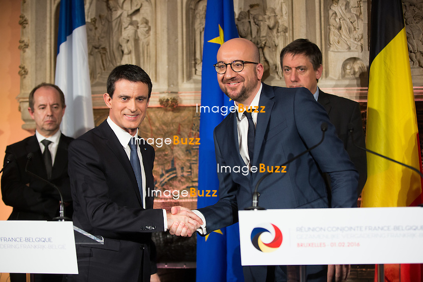 Conf&eacute;rence de presse - Le premier ministre Manuel Valls, le ministre de l'Int&eacute;rieur Bernard Cazeneuve et le ministre de la Justice Jean-Jacques Urvoas rencontrent le premier ministre belge Charles Michel, le ministre belge de la Justice Koen Geens et le ministre de l'Int&eacute;rieur Jan Jambon pour une r&eacute;union de travail pour renforcer la coop&eacute;ration anti-tierroriste au ch&acirc;teau de Val Duchesse Bruxelles, le 1er f&eacute;vrier 2016. <br /> Press conference - French Prime Minister Manuel Valls, Minister of the Interior Bernard Cazeneuve, Minister of Justice Jean-Jacques Urvoas, during a meeting with Belgian Prime Minister Charles Michel, Minister of Justice Koen Geens, Vice-Prime Minister and Interior Minister Jan Jambon to discuss about anti-terrorism at the Val Duchesse Castle in Brussels.<br /> Belgium, Brussels, 1st February 2016