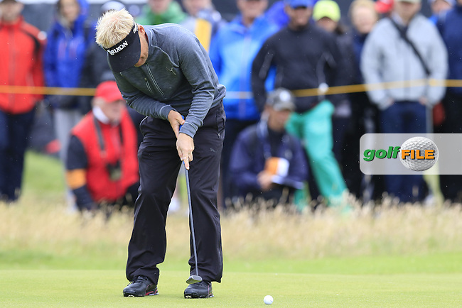 Soren Kjeldsen (DEN) putts on the 2nd green during Saturday's Round 3 of the 145th Open Championship held at Royal Troon Golf Club, Troon, Ayreshire, Scotland. 16th July 2016.<br /> Picture: Eoin Clarke | Golffile<br /> <br /> <br /> All photos usage must carry mandatory copyright credit (&copy; Golffile | Eoin Clarke)