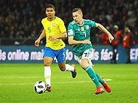Julian Draxler (Deutschland, Germany) gegen Casemiro (Brasilien Brasilia) - 27.03.2018: Deutschland vs. Brasilien, Olympiastadion Berlin