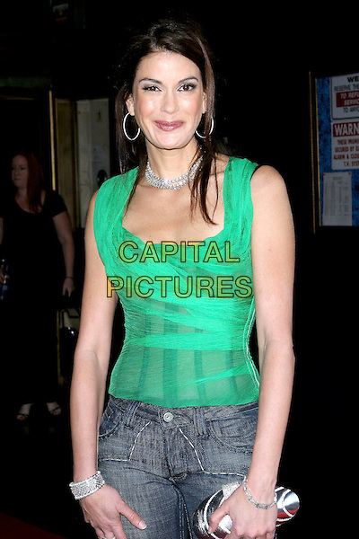 TERI HATCHER.Comedy For A Cure benefiting the Tuberous Sclerosis Alliance held at the Henry Fonda Music Box Theatre..April 3rd, 2005.Photo credit: Jacqui Wong/AdMedia.half length diamond necklace green top hoop earrings bracelet clutch purse.www.capitalpictures.com.sales@capitalpictures.com.© Capital Pictures.