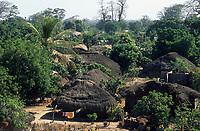 Afrique/Afrique de l'Ouest/Sénégal/Parc National de Basse-Casamance/Diembering : Les cases du village