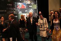 New Orleans Saints Teambesitzer Tom Benson mit Frau<br /> NFL Commissioner Roger Goodell Pressekonferenz *** Local Caption *** Foto ist honorarpflichtig! zzgl. gesetzl. MwSt. Auf Anfrage in hoeherer Qualitaet/Aufloesung. Belegexemplar an: Marc Schueler, Alte Weinstrasse 1, 61352 Bad Homburg, Tel. +49 (0) 151 11 65 49 88, www.gameday-mediaservices.de. Email: marc.schueler@gameday-mediaservices.de, Bankverbindung: Volksbank Bergstrasse, Kto.: 52137306, BLZ: 50890000