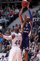 Real Madrid's Marcus Slaughter (l) and Mapooro Cantu's Alexander Tyus-Cecchini during Euroleague 2012/2013 match.November 1,2012. (ALTERPHOTOS/Acero) /NortePhoto