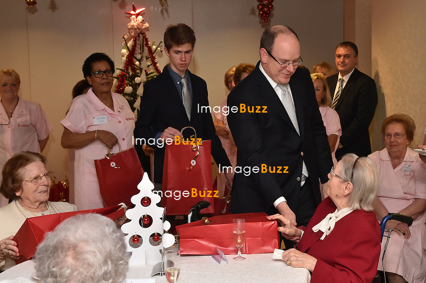 prince albert ii of monaco hands out christmas gifts to senior people from monaco at quietudine