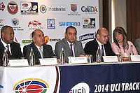CALI - COLOMBIA - 21-01-2014: Giovanni Ramirez, Gerente Indervalle, Ubeimar Delgado, Gobernador del Valle del Cauca, Juan Carlos Peña, Subdirector Coldeportes, Javier Pachon, Alcalde (E) de Cali and Clara Luz Roldan, Secretaria de Deportes y Recreacion durante presentación del Campeonato Mundial de Ciclismo en Pista UCI 2014, que se realizara en el Velodromo Alcides Nieto Patiño de la ciudad de Cali del 26 de febrero al 2 de marzo del presente año, con la participación de 38 paises y mas de 250 deportistas. / Giovanni Ramirez, Manager Indervalle, Ubeimar Delgado, Governor of Valle del Cauca, Juan Carlos Peña, Sub Director of COLDEPORTES, Javier Pachon, Mayor (E) of Cali and Clara Luz Roldan, Secretary of Sports and Recreation during presentation of the World Championships 2014 UCI Track Cycling, which will be held at the Alcides Nieto Patiño Velodrome in Cali from February 26 to March 2 this year, with the participation of 38 countries and over 250 athletes. Photo: VizzorImage / Luis Ramirez / Staff.