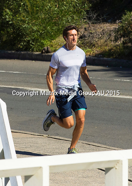 8 MAY 2015 SYDNEY AUSTRALIA<br /> <br /> EXCLUSIVE PICTURES<br /> <br /> Anthony LaPaglia pictured running along the Bondi to Bronte trail.