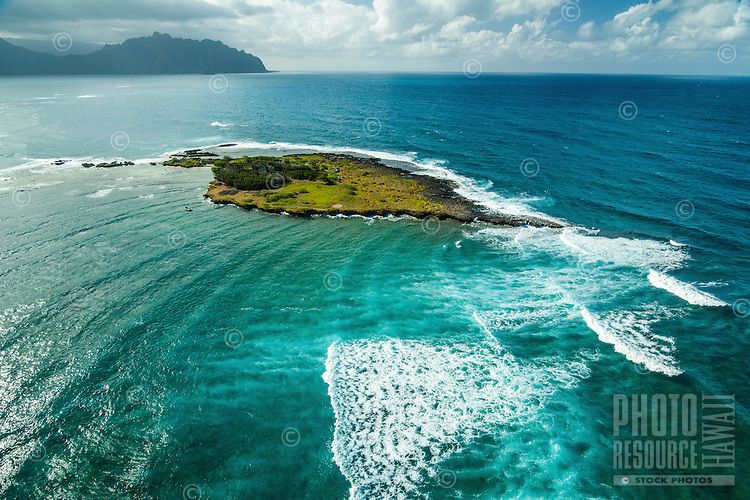 Kapapa Island houses a wildlife sanctuary in Kane'ohe Bay, Windward O'ahu. wildlife sanctuary in Kane'ohe Bay, Windward O'ahu.