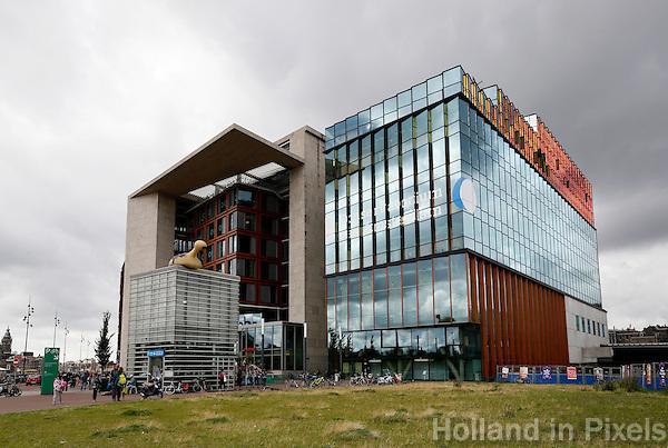 Nederland  Amsterdam  2016 .  Het Conservatorium en de Openbare Bibliotheek op het Oosterdok. Foto Berlinda van Dam / Hollandse Hoogte