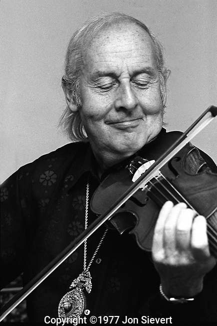 Stephane Grappelli, 3/21/76. Great American Music Hall, San Francisco. 21-02-31. Grappelli (26 January 1908 - 1 December 1997) was a French jazz violinist who founded the Quintette du Hot Club de France with guitarist Django Reinhardt in 1934. It was one of the first all-string jazz bands.