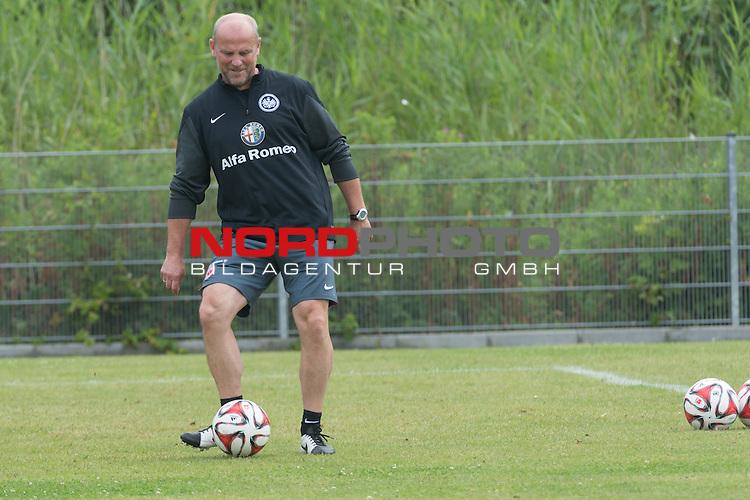 09.07.2014, Wesrstand, Norderney, TL Eintracht Frankfurt 2014 Training, im Bild<br /> <br /> Trainer Thomas Schaaf (Eintracht Frankfurt) mit Ball <br /> <br /> Foto &copy; nordphoto / Kokenge