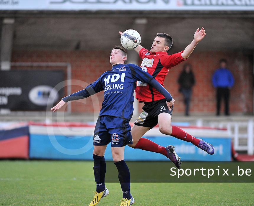 KFC Izegem - FC Dender  : duel tussen Mathieu Vlieghe (rechts) en Jannick Weeghmans (links)<br /> foto VDB / Bart Vandenbroucke