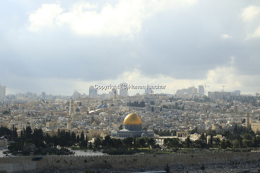 Israel, Jerusalem, a view of the Dome of the Rock and the Old City from the Mount of Olives