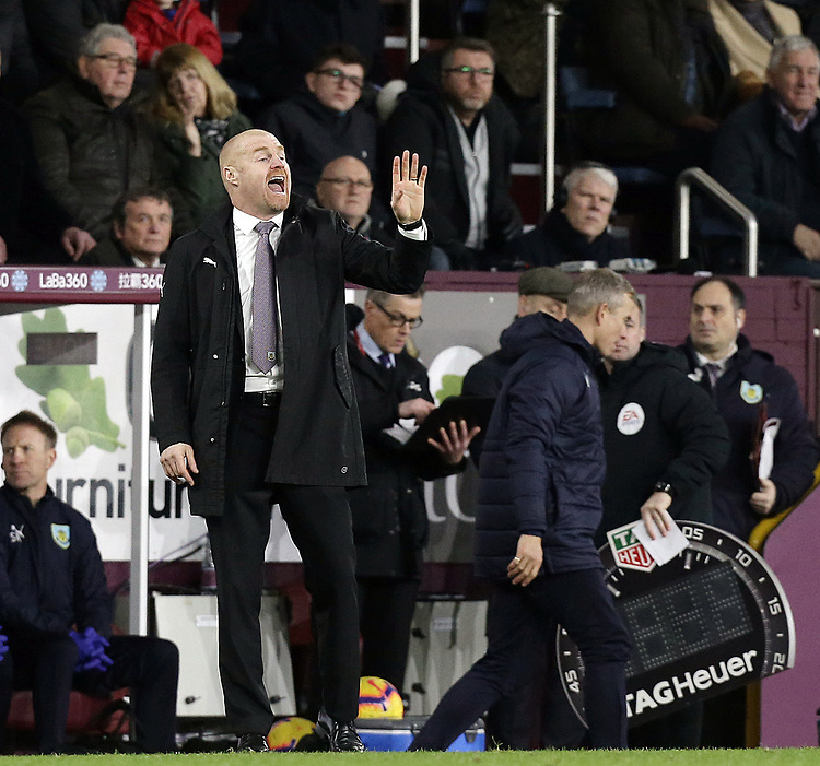 Burnley manager Sean Dyche shouts instructions to his team from the dug-out <br /> <br /> Photographer Rich Linley/CameraSport<br /> <br /> The Premier League - Burnley v Everton - Wednesday 26th December 2018 - Turf Moor - Burnley<br /> <br /> World Copyright © 2018 CameraSport. All rights reserved. 43 Linden Ave. Countesthorpe. Leicester. England. LE8 5PG - Tel: +44 (0) 116 277 4147 - admin@camerasport.com - www.camerasport.com