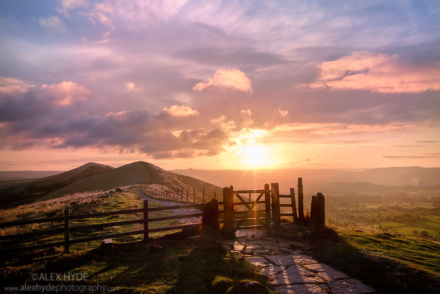 The Great Ridge nr. Castleton at sunrise, looking towards Lose Hill. Peak District National Park, Derbyshire, September.