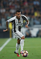 Calcio, Serie A: Juventus vs Fiorentina. Torino, Juventus Stadium, 20 agosto 2016.<br /> Juventus&rsquo; Dani Alves in action during the Italian Serie A football match between Juventus and Fiorentina at Turin's Juventus Stadium, 20 August 2016.<br /> UPDATE IMAGES PRESS/Isabella Bonotto