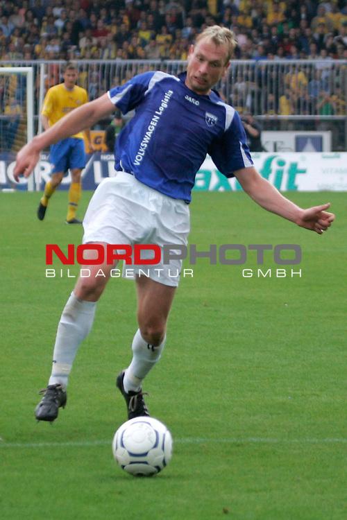 RLN 2007/2008 1. Spieltag Hinrunde<br /> Eintracht Brauschweig - Kickers Emden <br /> <br /> Enrico Neitzel #11 von Kickers Emden<br /> <br /> Foto: &copy; nph ( nordphoto )<br /> <br />  *** Local Caption ***